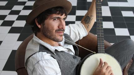 Foto del músico cantautor sevillano Albertucho
