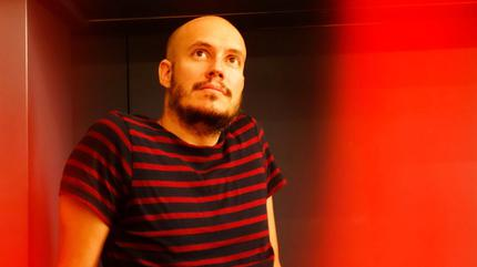 Fotografía de Guille Milkyway, cantante de La Casa Azul.