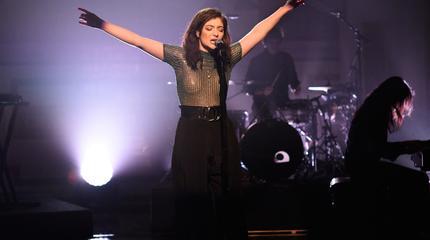 Foto de la artista Lorde en directo.