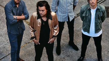 Foto de One Direction posando
