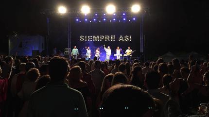 Foto de Siempre Así en concierto