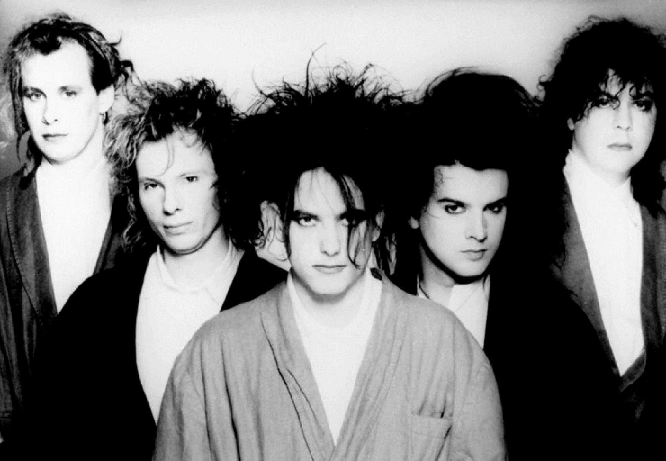 Simon Gallup anunció su regreso a The Cure