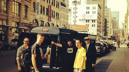 The Monsters durante su gira americana