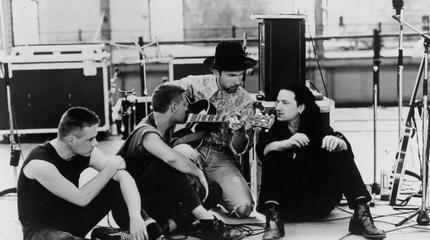 U2 blanco y negro