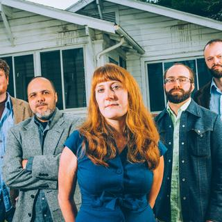 Amanda Anne Platt and The Honeycutters concerto a Charlotte