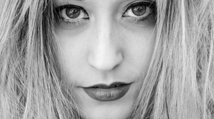 Amanda De La Mano