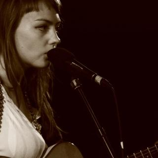 Concierto de Angel Olsen en Royal Oak
