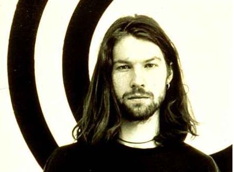 https://cdn.wegow.com/media/artists/aphex-twin/aphex-twin-1492553530.61.jpg