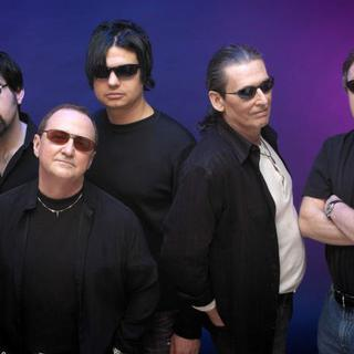 Concierto de Blue Öyster Cult en Fall River