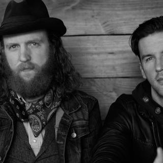 Concierto de Brothers Osborne + Neil Young + Willie Nelson en East Troy