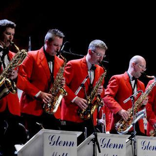 Glenn Miller Orchestra concert in Waukegan
