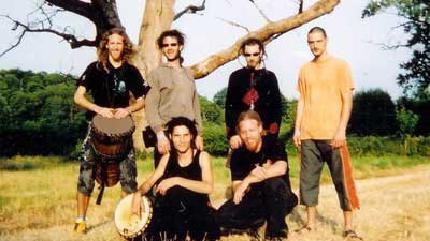 Concierto de Hilight Tribe en París