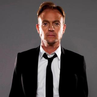 Concierto de Jason Donovan en Tunbridge Wells