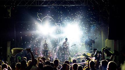Sonido Internacional + Limando en concierto (Granada)