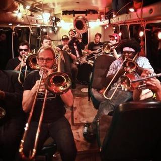 Concierto de No BS! Brass Band en Washington