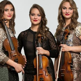 Concierto de Quebe Sister Band en Asheville