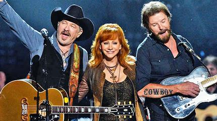 Reba and Brooks and Dunn concerto a Mansfield