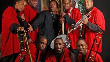 Concierto de Rebirth Brass Band en Carrboro