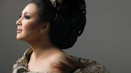Concierto de Sharon Cuneta + Regine Velasquez en Pasadena