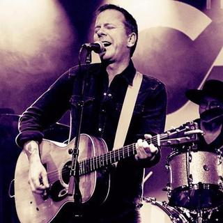 The Kiefer Sutherland Band concert in Manchester