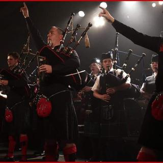 Concierto de Red Hot Chilli Pipers en Motherwell