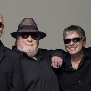 Concierto de The Stranglers + Mi-Sex en Wellington