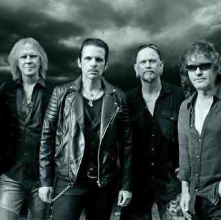 Concierto de Thin Lizzy + Danko Jones + Uriah Heep en Abertillery