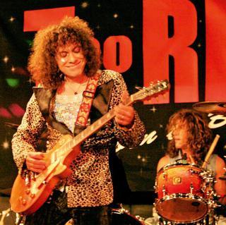 Concierto de Too Rex en Derby
