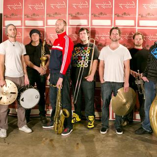 Concierto de Youngblood Brass Band en Cardiff