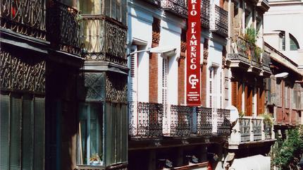 Fachada Casa Patas y Fundación Casa Patas Día. Calle de Los Cañizares nº10 de Madrid.
