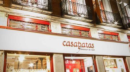 Fachada Casa Patas y Fundación Casa Patas Noche. Calle de Los Cañizares nº10 de Madrid