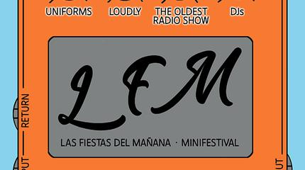 Uniforms + Loudly + The Oldest Radio Show concerto a Almería