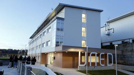Imagen de la UNED situada en Lugo