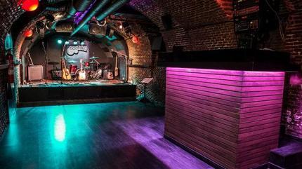 Costello Club, imagen