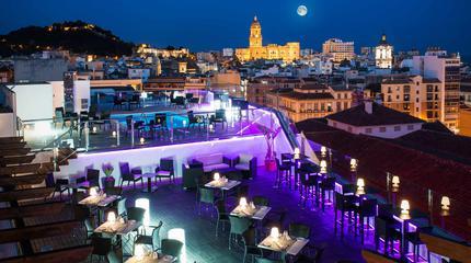 Fotografía de la terraza del Hotel Málaga Centro
